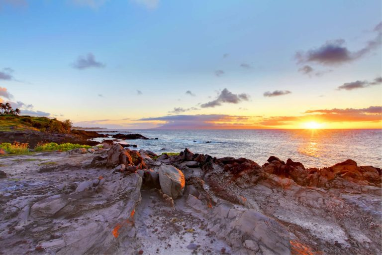 Maui Cliffs at sunseti - Pradise Living Properties